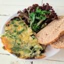 Frittata met tuinbonen, rucola en basilicum